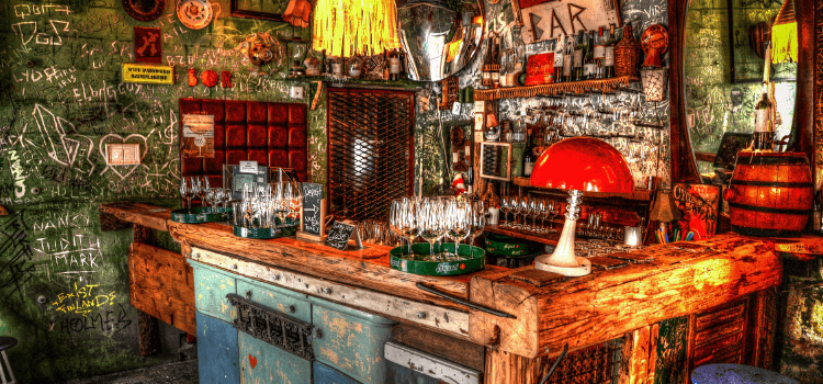 Découvrir les ruins pubs de Budapest